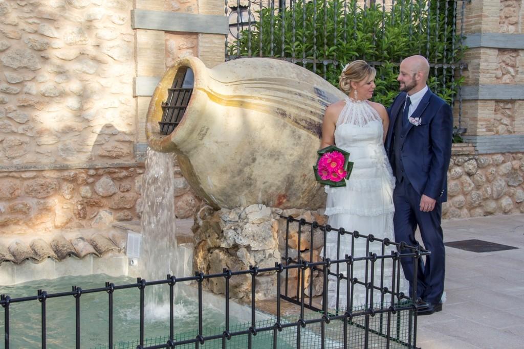 fotografia de boda vestido encaje cuello halter valdes pastor