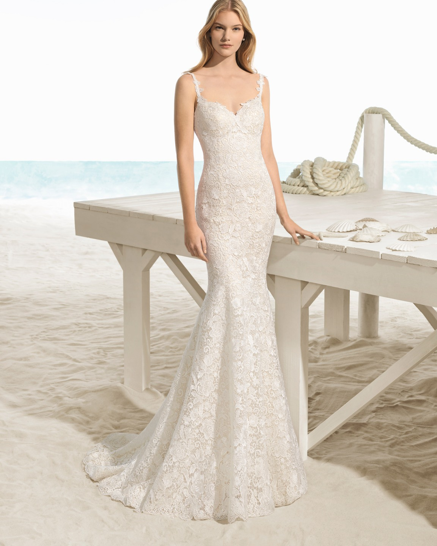 Vestido de novia de encaje y corte sirena