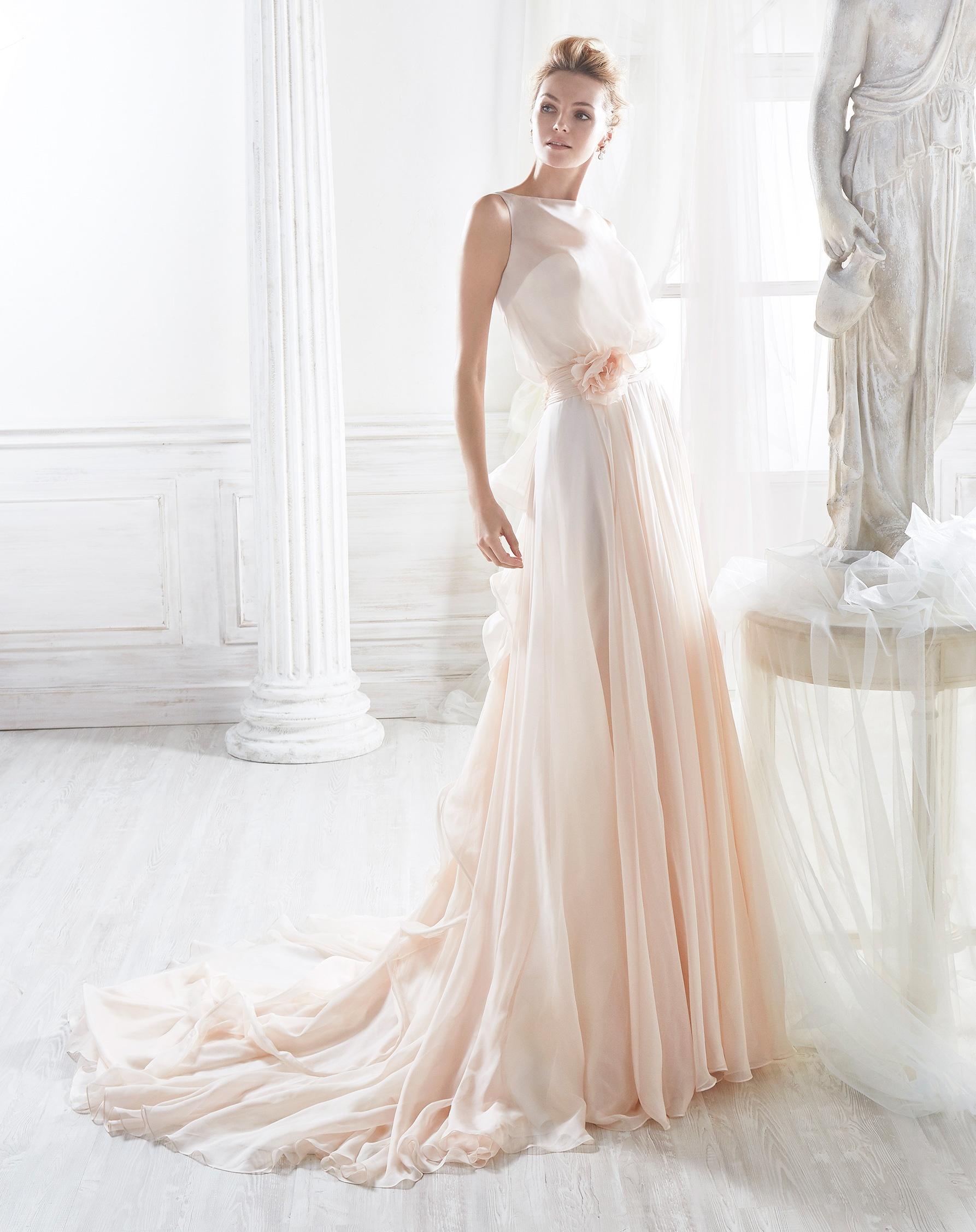 Vestidos de novia con un toque rosa