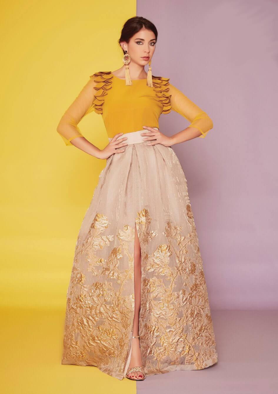 Conjunto falda larga brocada y top color mostaza