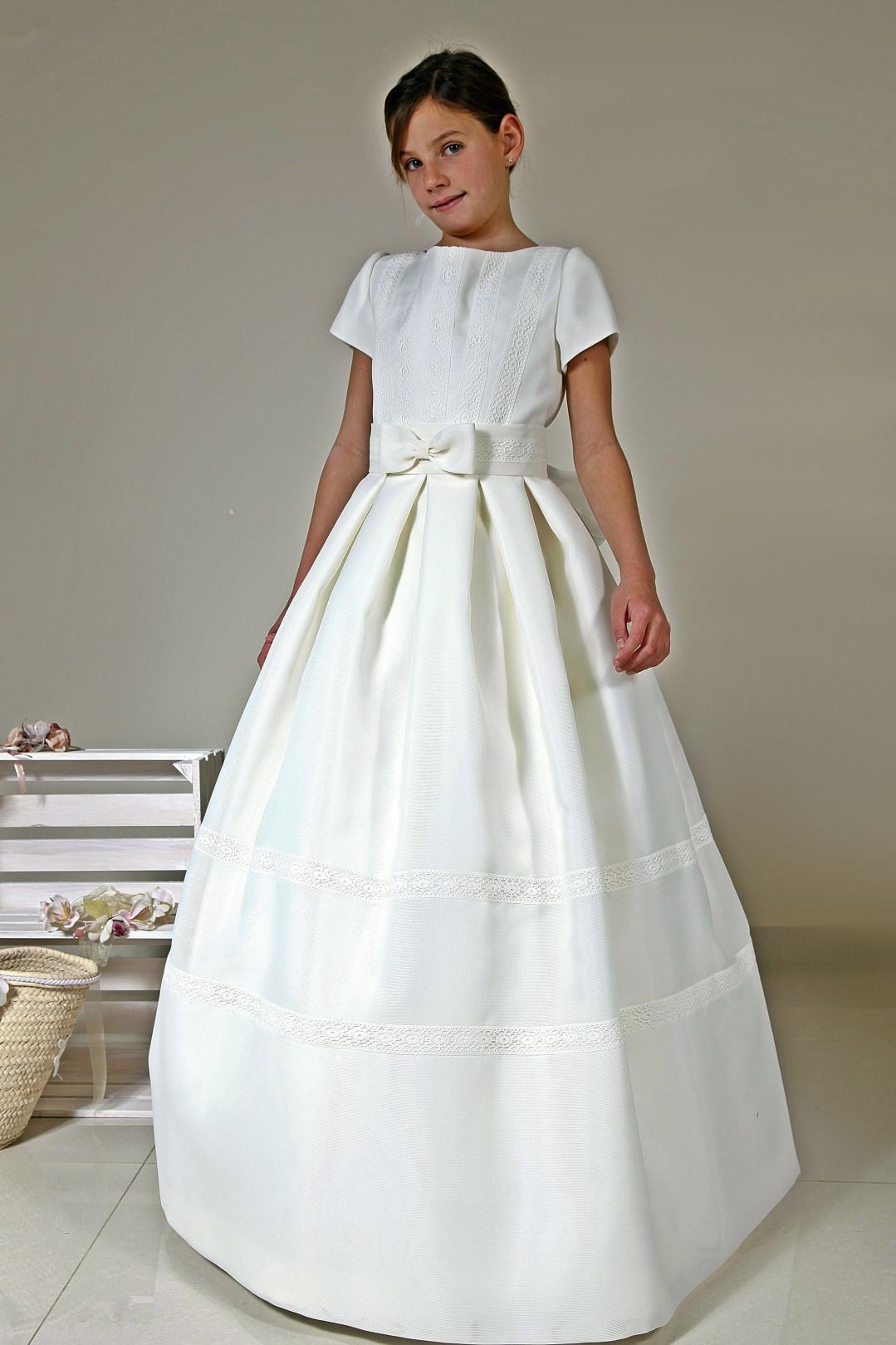 vestido de comunión entredoses lazo cintura