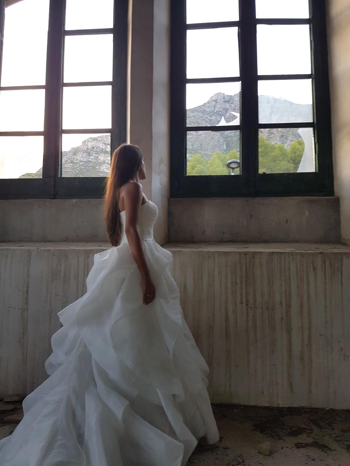 vestido de festera color blanco Valdés Pastor