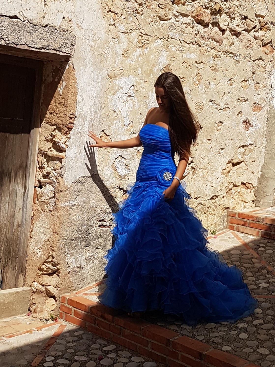 vestido festera azul de volantes