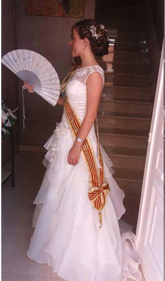 vestido festera, dama, reina fiestas en color blanco