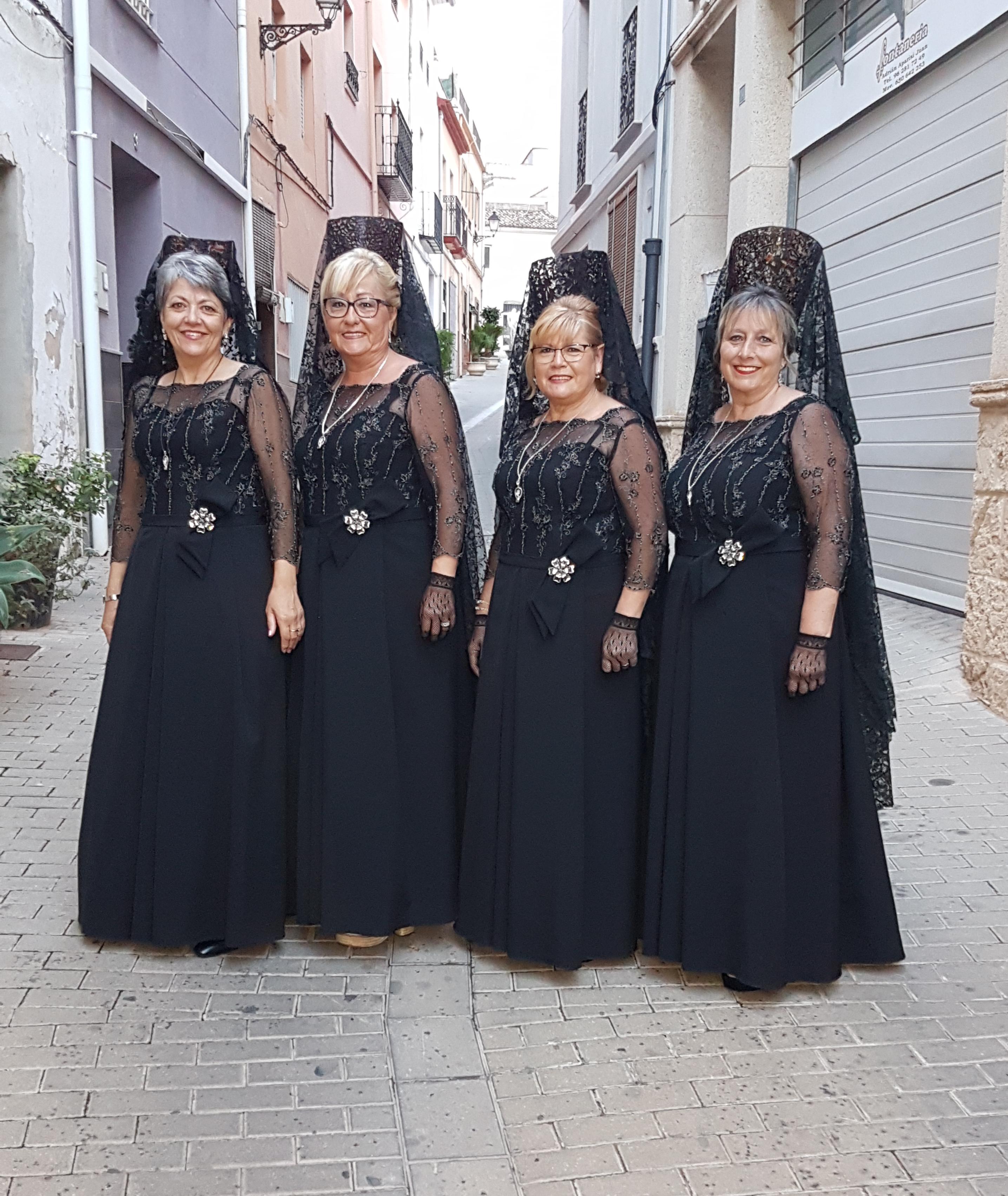 Vestidos de clavariesa festera color negro