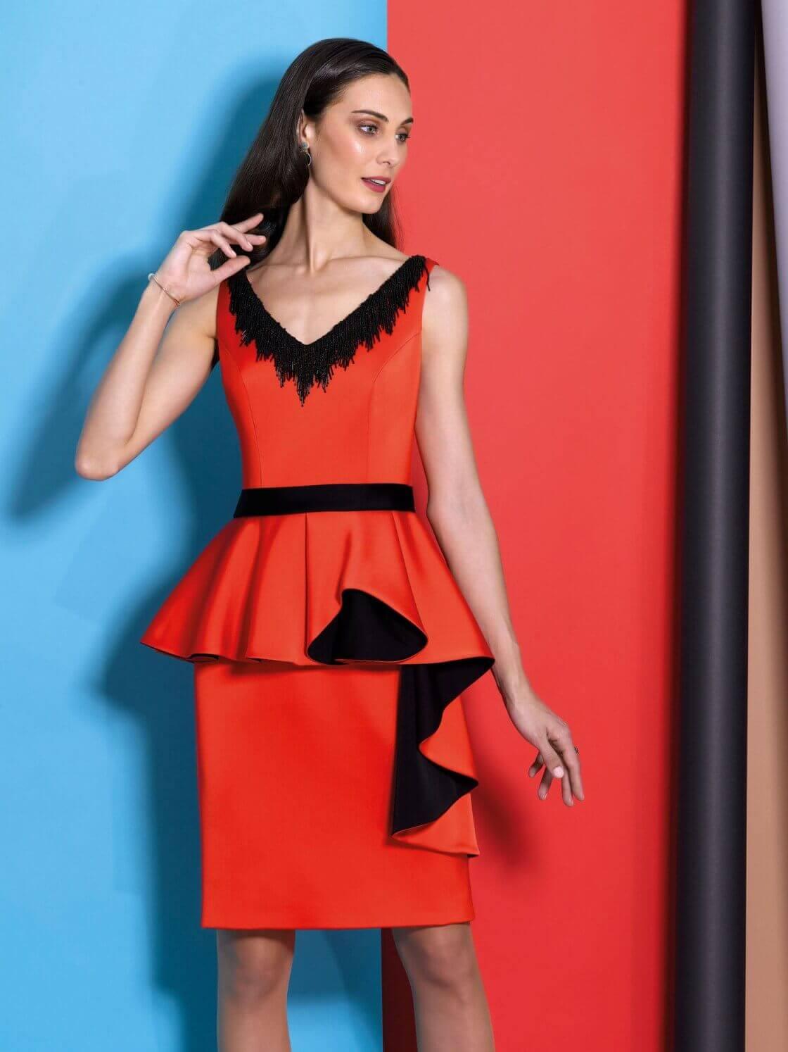 Vestido de madrina corto color rojo